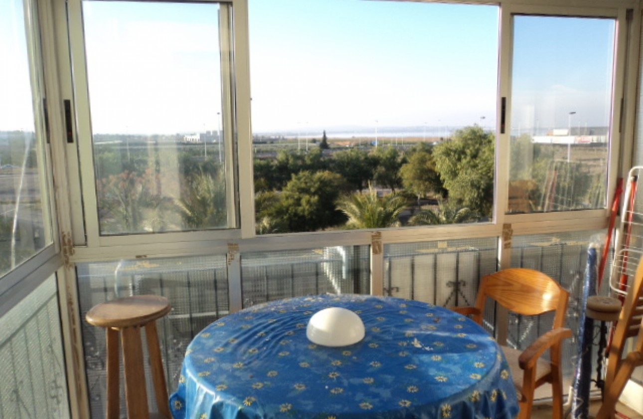 Apartment - Re-sales - Torrevieja - Mar Azul