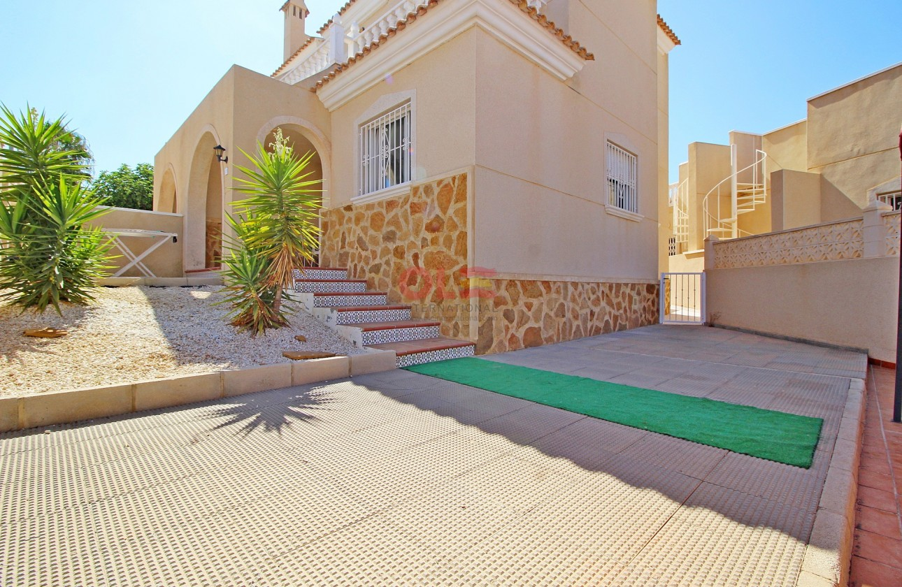 Semi-Detached Villa - Re-sales - Orihuela - Orihuela Costa