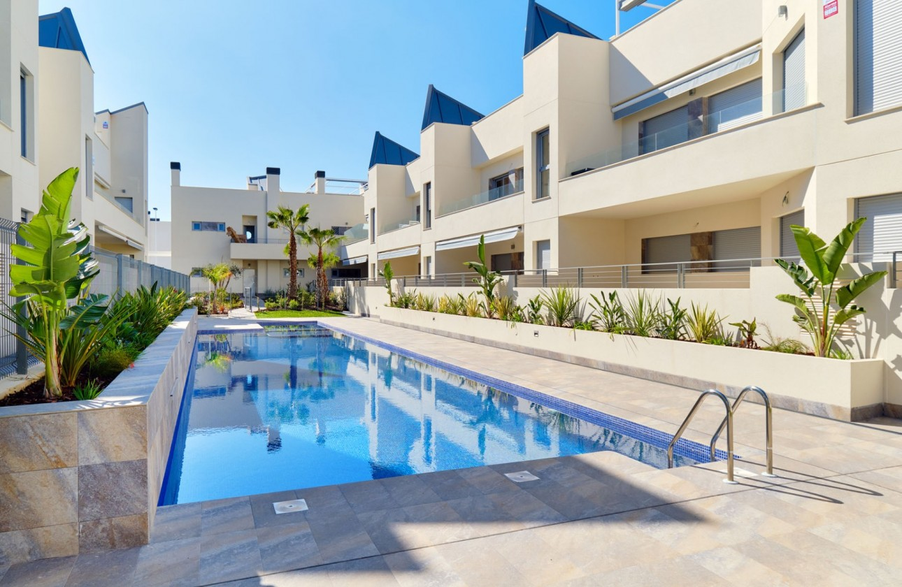 Terraced house - New Builds - Torrevieja - Torrevieja