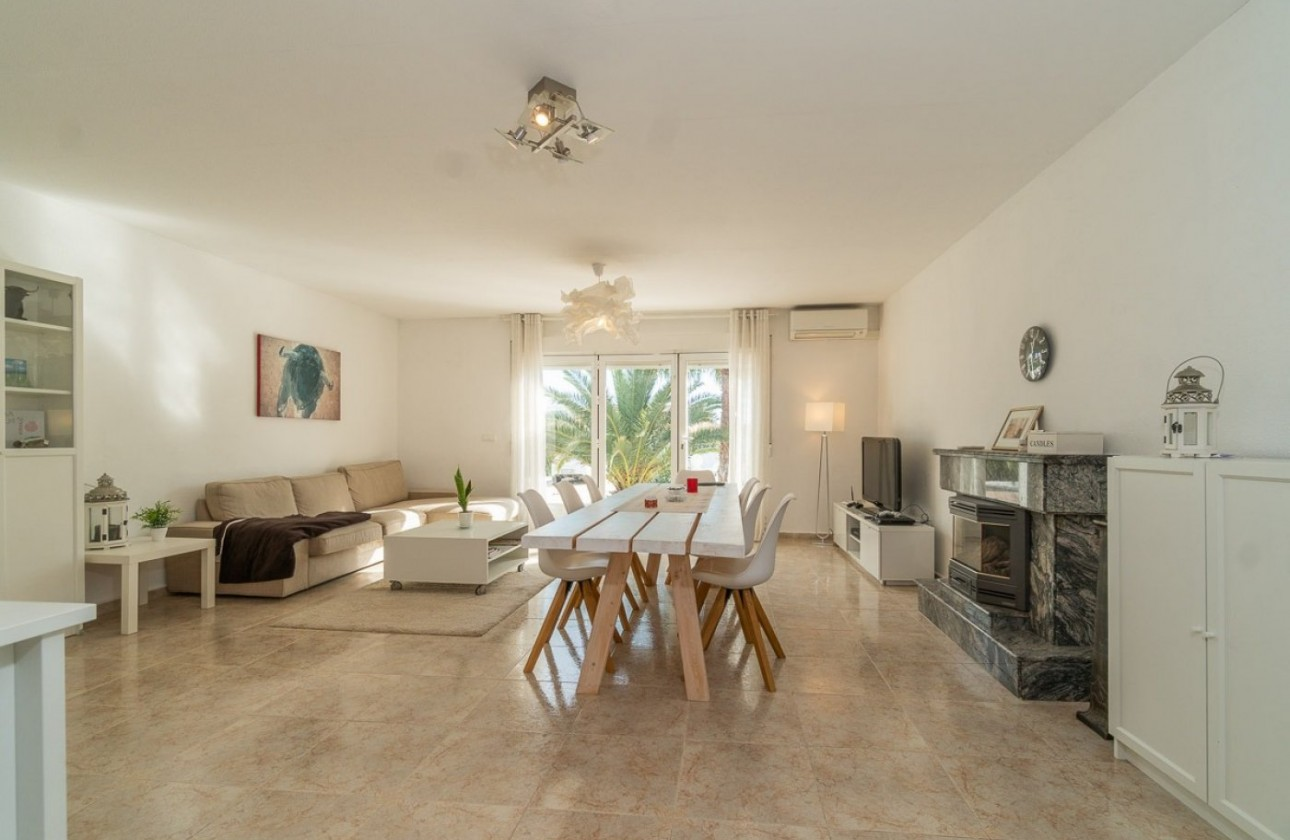 Villa - Re-sales - Torrevieja - Los balcones